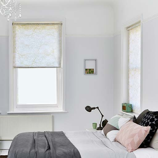 Trendy Bedroom Roller Blinds Décor Made to Measure