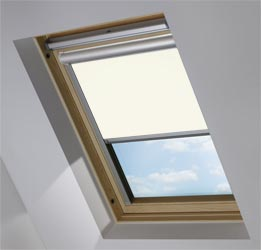 Solar Skylight in Blossom White Blackout