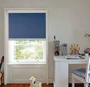 Blackout blind for large windows